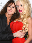 Courtney Stodden Busts Out on Red Carpet With Her Mom
