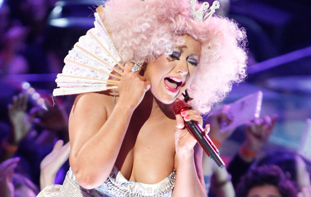 "Christina Aguilera Sports Afro, Flaunts Cleavage on ""The Voice"""