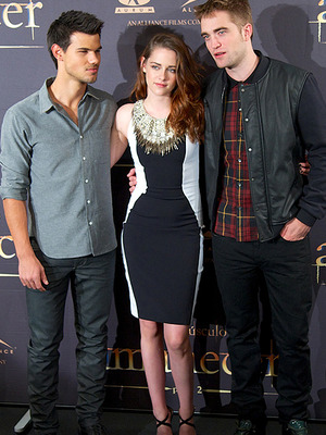 "Another Day, Another ""Twilight"" Event -- See Kristen, Rob & Taylor!"