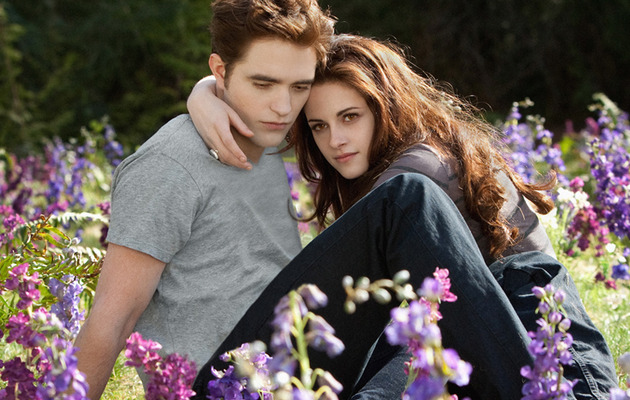 """""""Twilight"""" Finale Conquers Weekend Box Office"""