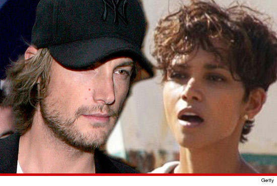 1122_gabriel_aubry_halle_berry_Article