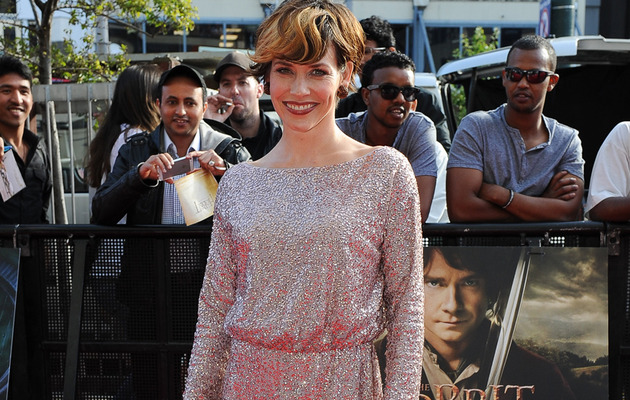 "Evangeline Lilly Barely Recognizable at ""Hobbit"" Premiere"