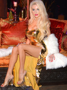 Courtney Stodden Hits Red Carpet In Revealing Gold Gown
