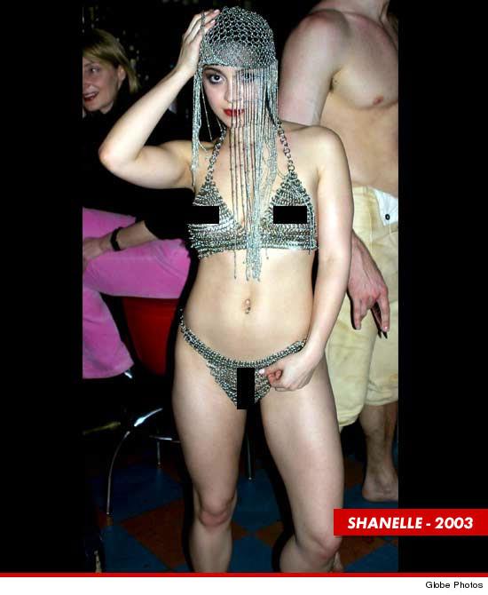 Ariel Winter's Mom — Threatens to Sue Publicist Over Nude Photos