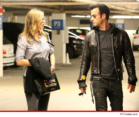 1209-jennifer-aniston-justin-theroux-x17
