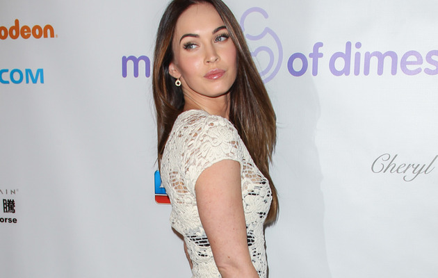 Megan Fox Flaunts Hot Body On First Post-Baby Red Carpet