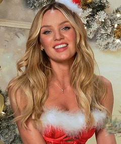 Victoria's Secret Models Heat Up The Holidays!