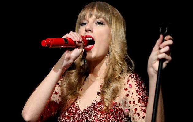 Taylor Swift is 23! Who Should She Date In 2013?