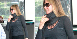 Jennifer Aniston -- Is THAT a Baby Bump???