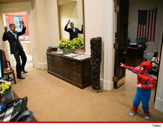 Barack Obama & SPIDER-MAN