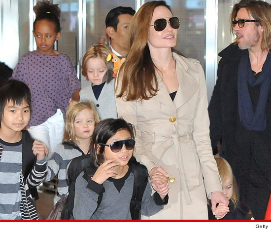 0105-angolina-jolie-brad-pitt-kids-getty