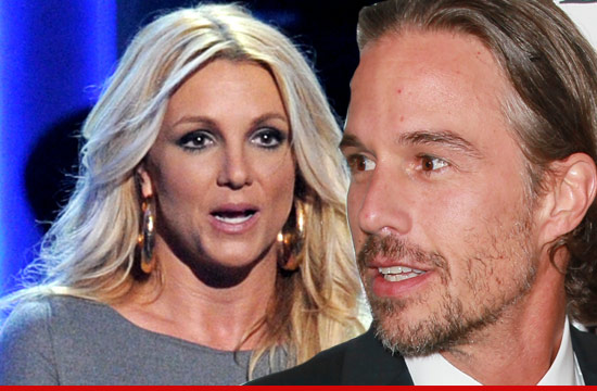 0111_britney_spears_jason_trawick_Article_4