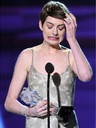 Anne Hathaway Critics&#039; Choice Award: My Name Is Misspelled!