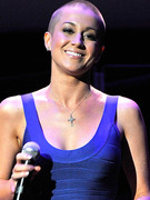 See Kellie Pickler Four Months After Shaving Head