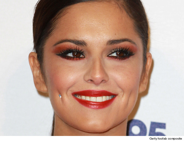0116_inset_dimples_cheryl-cole