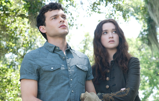 """Beautiful Creatures"" Photos: Is This The New ""Twilight""?"