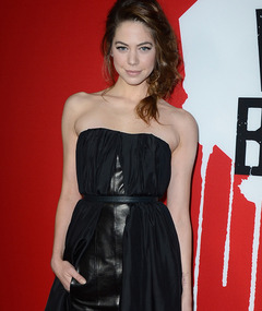 "Analeigh Tipton: ""Top Model"" Wannabe to ""Warm Bodies"" Star!"