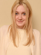 Dakota Fanning Going Nude In Brand New Movie