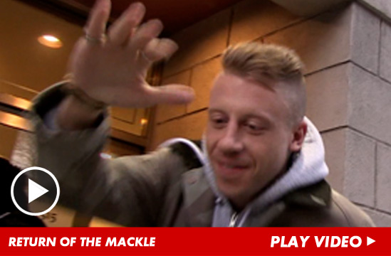 020113_macklemore_launch