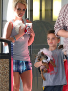 Photos: Britney Spears Gets a New Puppy!