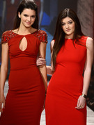 Jenner Sisters &amp; Kelly Osbourne Are Red Hot at Fashion Week