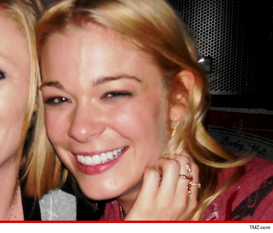 0214-leann-rimes-tmz