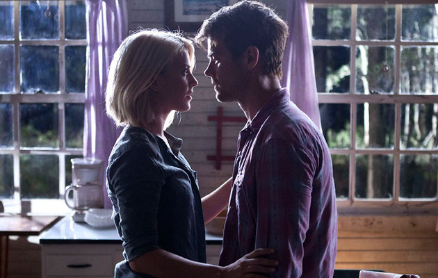 "Exclusive: Julianne Hough Dishes On Her ""Safe Haven"" Love Scene"
