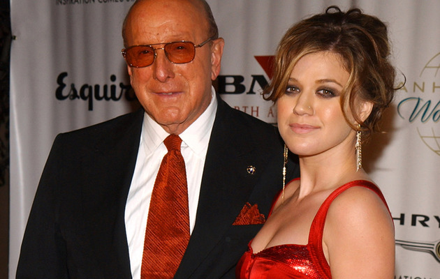 Kelly Clarkson vs. Clive Davis -- The Feud Heats Up