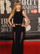 Taylor Swift Stuns at 2013 BRIT Awards