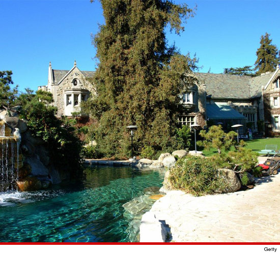 0221-getty-playboy-mansion