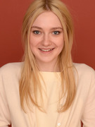 Dakota Fanning Turns 19 -- See More Famous Siblings!