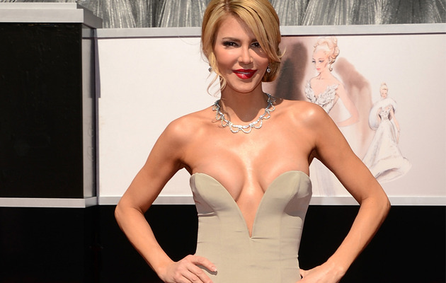 Brandi Glanville Shows Serious Cleavage at Oscars!