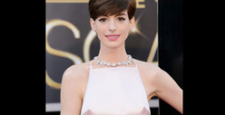 Anne Hathaway -- Les Nipplerables 