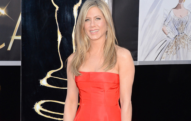Jennifer Aniston: Ravishing In Red at Academy Awards