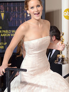Jack Nicholson Hits on Jennifer Lawrence After Oscar Win