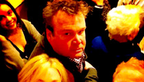 'Modern Family' Stars -- Help, We're Trapped in an Elevator!