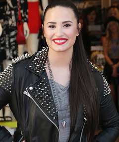 Demi Lovato Reveals She Has a Secret Sister!