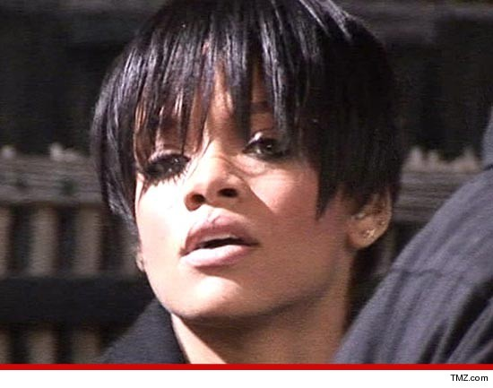 0310_rihanna_tmz