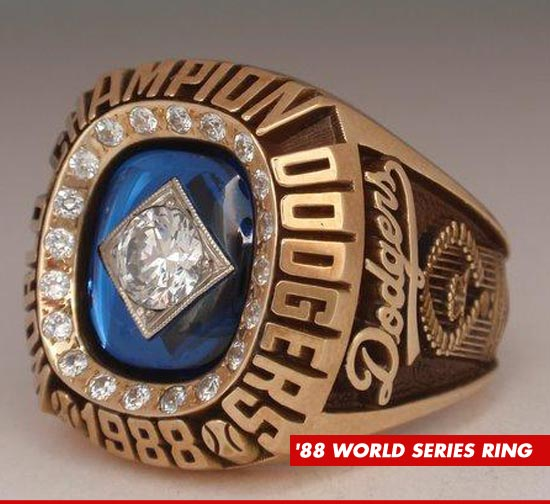 0311_88_dodgers_ring
