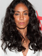 Jada Pinkett Smith Thinks We Should Stop Bullying Justin Bieber, Maybe