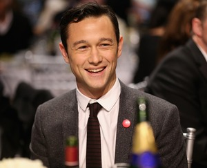 Stare at Joseph Gordon-Levitt!!