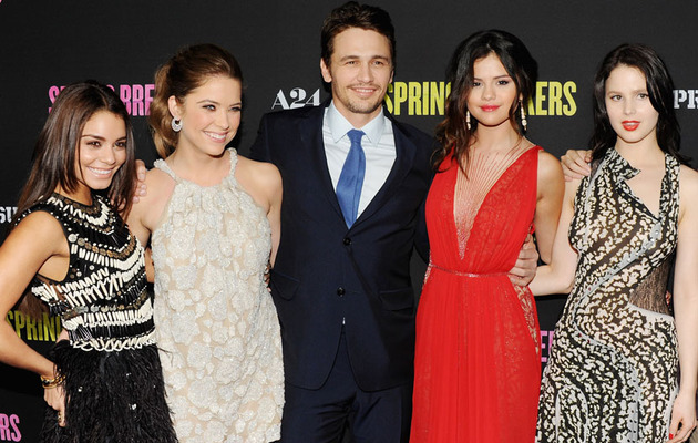 "Single and Sexy! Selena Gomez Stuns At ""Spring Breakers"" Premiere"