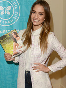 Jessica Alba Tackles Living &quot;The Honest Life&quot;