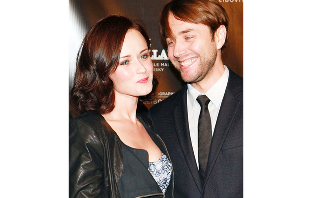 Kissing Costars: Alexis Bledel and Vincent Kartheiser Engaged!
