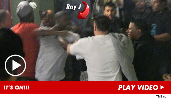 > The Piano Man Is At It Again: Ray J in Ray-Jing Fight After 'Fat bi-ch' Insult - Photo posted in The Hip-Hop Spot | Sign in and leave a comment below!