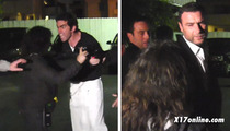 Liev Schreiber -- Breaks Up Pap Fight w/ Cannibal Waiter