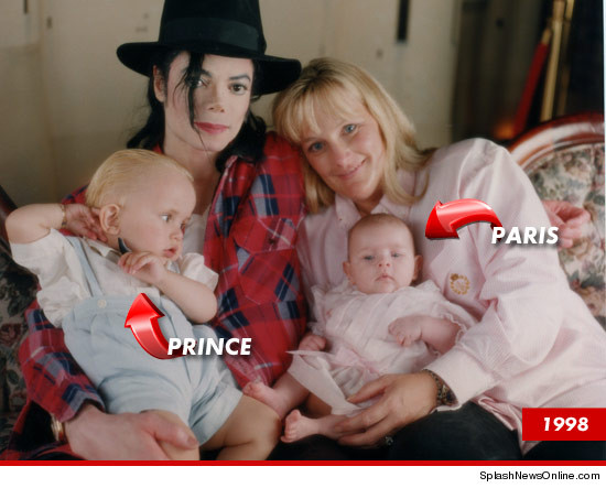 0404-jackson-debbie-rowe-prince-paris-splash