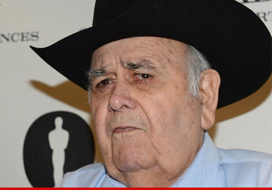 jonathan winters net worth