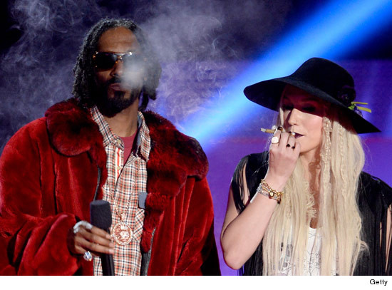 0414_mtv_awards_snoop_kesha