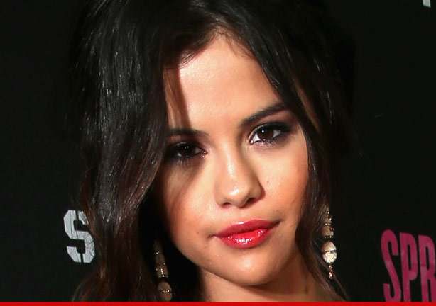 0426_selena_gomes_getty_article1